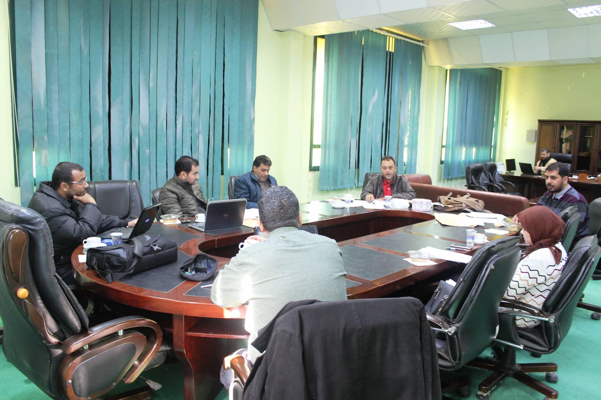 لجنة إعداد برنامج الدراسات العليا بالكلية تواصل عقد اجتماعاتها